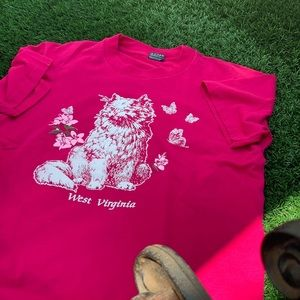 Other - Beautiful vintage pink west Virginia cat shirt